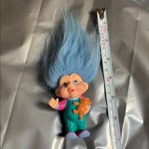 Vintage applause troll with bear blue hair used